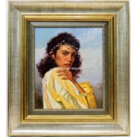 Mujer con colgantes