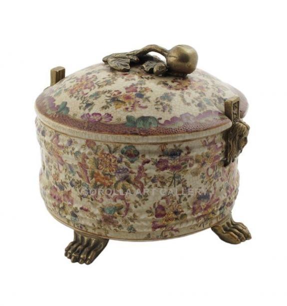 Porcelana decorada: Bombonera 19cm - Delicia