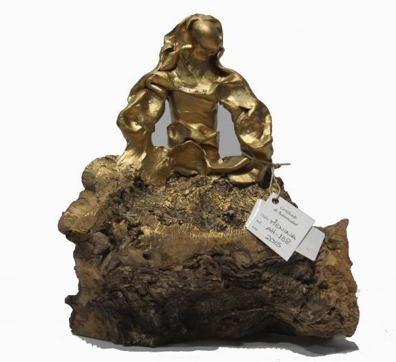 Esculturas: Menina Swarovski Oro (nº 138)