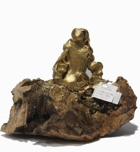 Esculturas: Menina Swarovski Oro (nº 155)