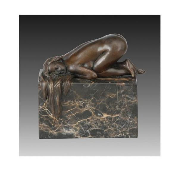 Bronces: Mujer desnuda