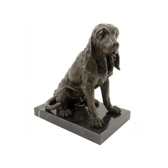 Bronces: Perro Basset sentado