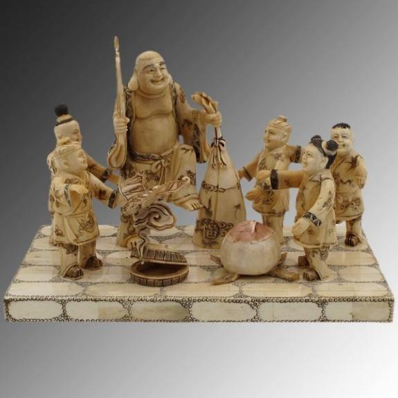 Hueso tallado: Buda con niños - 30cm