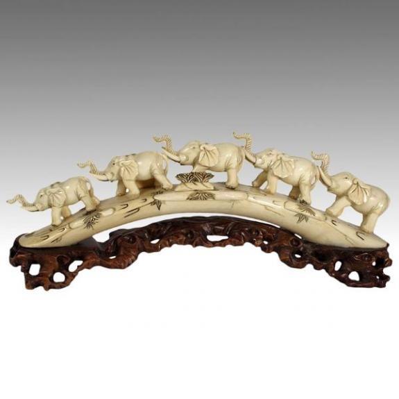 Hueso tallado: Escena puente de cinco elefantes 40cm