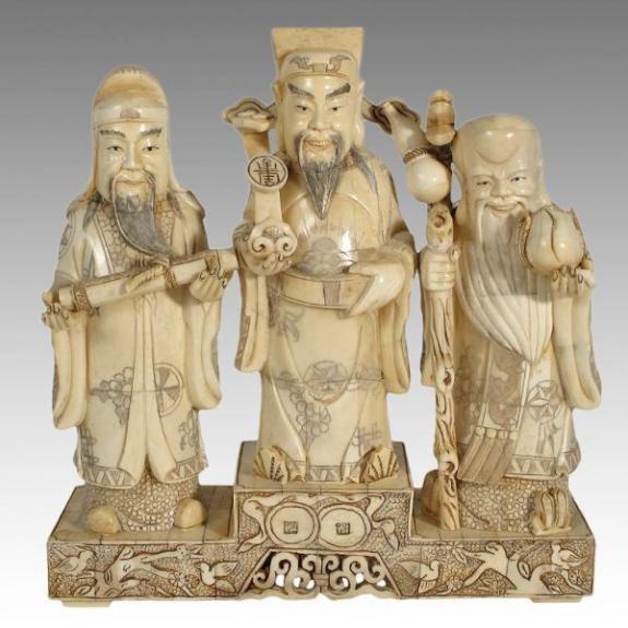Hueso tallado: Tres dioses 26,5cm