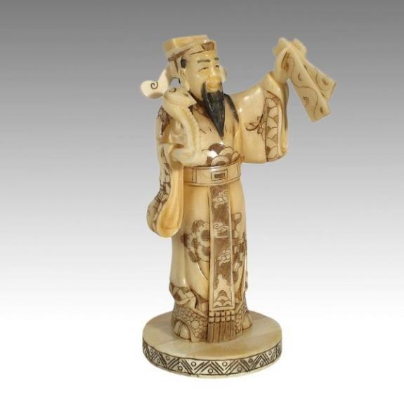 Hueso tallado: Dios con tablas de la ley 18cm